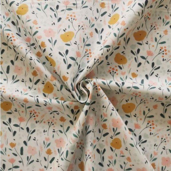 tela de algodon little flowers chvmarket Fondo blanco, flores pintadas en tonos mostaza, verde y rosa