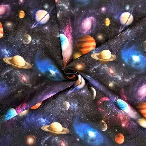 Planetas y galaxias en colores muy vivos